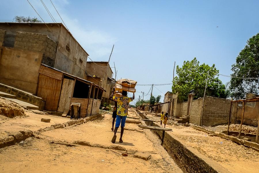 Dans les rues de Togoville.